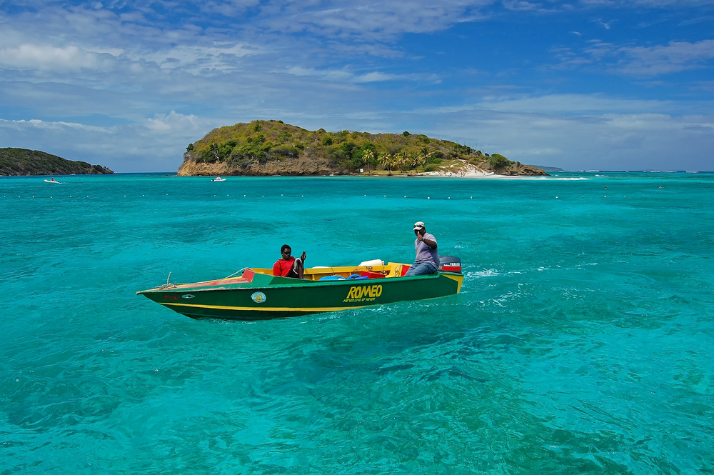 Małe Antyle, rejs niedaleko Tobago Cays, wysp w archipelagu Grenadyn